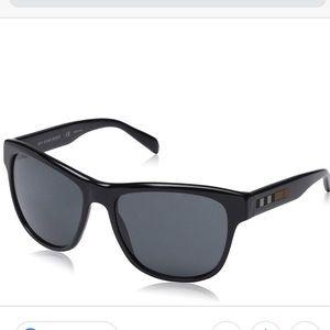 Burberry Accessories - {Burberry} • Sunglasses